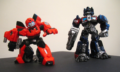 Best Buy Exclusive Robot Heroes Cliffjumper and Battle-Damaged Prime