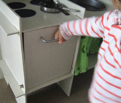 Toy Kitchen (oven closed)