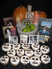Our Día de los Muertos offering table. (11/01/07)