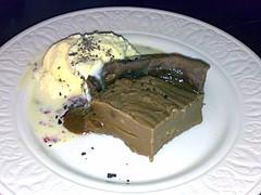 Warm chocolate fudge pie at Roseleaf Bar come Cafe in Leith, Edinburgh