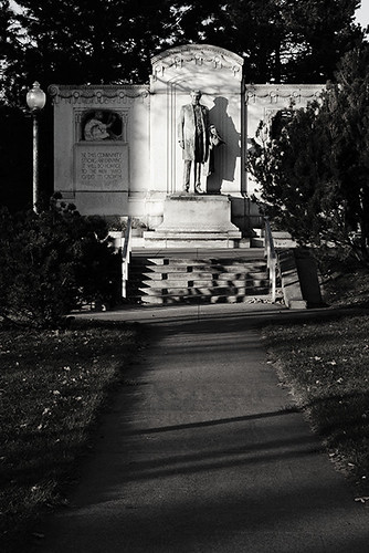 Statue 4548