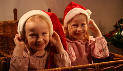 "My Twins <a style=""margin-left:10px; font-size:0.8em;"" href=""http://www.flickr.com/photos/60951359@N00/2110953437/"" target=""_blank"">@flickr</a>"