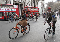 Tweed Ride London Apr 10  (272) (Funny Cyclist) Tags: hat fashion bike bicycle rover cycle bobbin pennyfarthing waistcoat humber tweed jodhpurs plusfours tweedride2010
