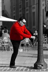 Para qué sirve una farola o Glamour Masculino (Cani Mancebo) Tags: red españa white man black men blanco cutout rouge spain rojo farola negro murcia lamppost cartagena blanc hombre noire desaturado canimancebo