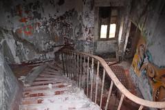 le smaphore de Callelongue (Dominique Lenoir) Tags: france stairs photo marseille foto stairway treppe escalera scala escada provence fotografia lesgoudes callelongue trap escalier escaliers fotografa trappe southfrance bouchesdurhne trappa smaphore goudes provencealpesctedazur 13008 dominiquelenoir