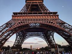 The Eiffel Tower – Paris, France (williamcho) Tags: old vacation holiday paris france eiffeltower sunst attraction digitalenhancement ironlady flickraward topazlabadjust williamcho sonydscwx1 patrickcheah updateoneiffeltower
