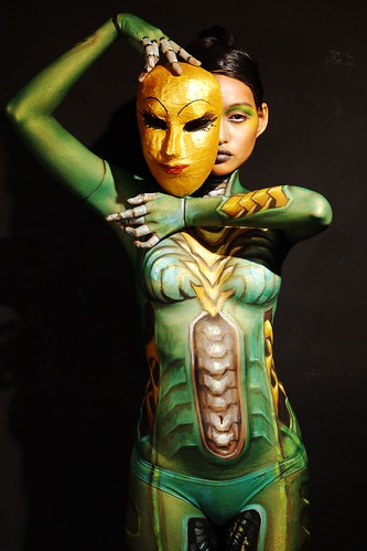 Women Body Painting Green (2)