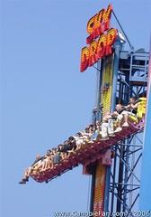 Sky Drop (Canobie Fan) Tags: england sky beach geotagged great towers norfolk 2006 drop yarmouth pleasure canobiefan