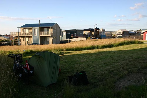 Wild camp in a residential area, Apollo Bay.