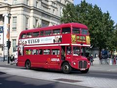 DSCN9716 (Sou'wester) Tags: bus london heritage history buses icon historic routemaster publictransport lrt lt parkroyal rm londontransport tfl aec prv rml route159 classicbus rml2648 nml648e