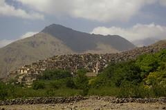 Armed (Alan Hilditch) Tags: mountains trek high morocco atlas marruecos marokko marrocos armed moroc toubkal nelter  almarib