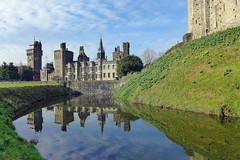 Castle Reflections (Fotomondeo) Tags: cardiff cardiffcastle castillo reflections reflejos wales gales sky cielo nubes clouds lx7 lumixlx7 panasoniclumixlx7
