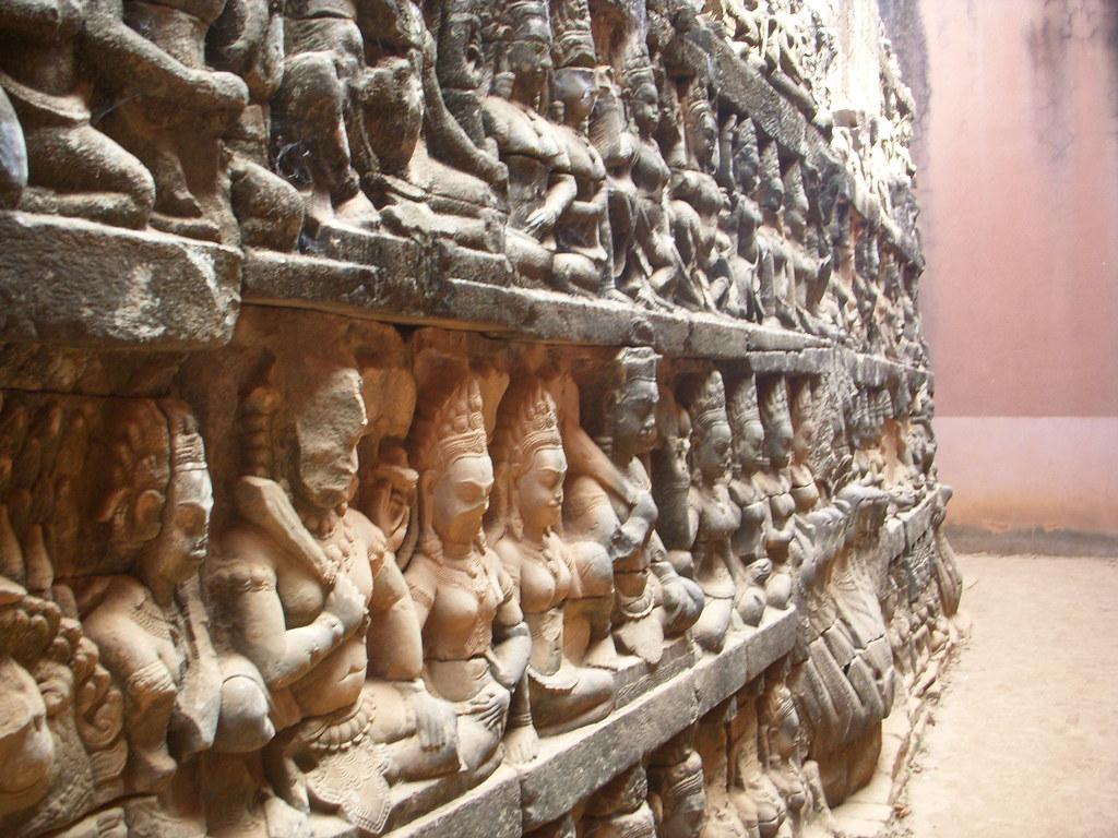 perspectiva esculturas en piedra