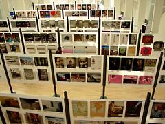 hacia abajo (pablovenegas) Tags: espaa valencia poster spain publicidad arts concurso carteles publicity palau afiches exposicin comunitatvalencia palaudelesarts palaudelesartsreinasofa