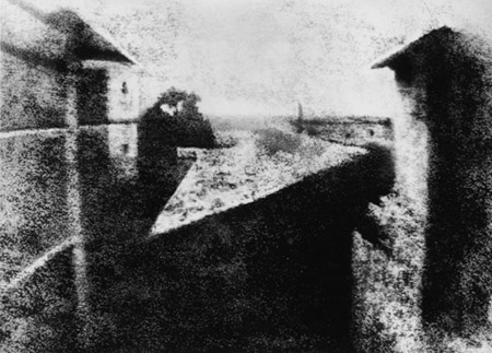 First photograpgh by Joseph Nicéphore Niépce, 1926