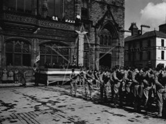 US Marines at the Guildhall, 12 May 1943 (G.I.N.I) Tags: usmarines marines usmc derry londonderry guildhall guildhallsquare 1943 wingsforvictory northernireland ww2