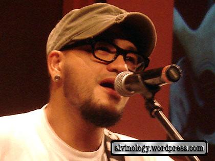 A Yue singing