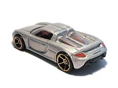 Hotwheels - Porsche Carrera GT (Leap Kye) Tags: cars car toy toys porsche hotwheels gt carrera diecast porschecarerragt firsteditions ferdinandporsche silverporsche armedclown209 hotwheelers 2006firsteditions objectonwhite