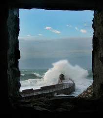 portreath 8th December 2007 (4) (Simon Sheffield) Tags: seascape coast cornwall harbour wave splash eas portreath mywinners theperfectphotographer distinguishedpictures simonsheffield