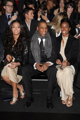 pictures of BEYONCE , KELLY & JAY-Z @ a fashion show