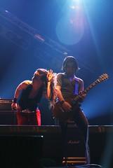 Juliette and the Licks @ Espacio Movistar (Barcelona) (Omar Corrales) Tags: barcelona rock lights concert live gig livemusic gibson juliette licks rockconcert juliettelewis julietteandthelicks fouronthefloor canonef24105mmf4lisusm espaciomovistar canoneosdigitalrebelxti canoneos400ddigital lastfm:event=456531 omarcorrales