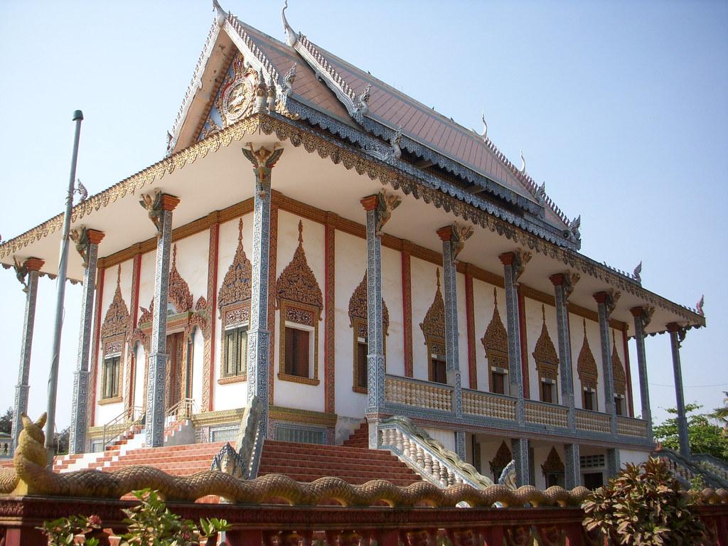 templo en mitad de battambang