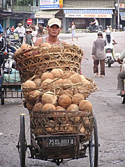 On the way to market, Hue