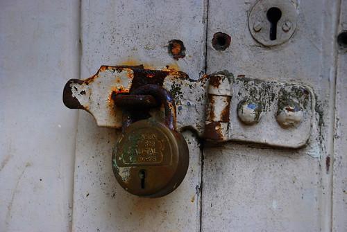 Lock Kiya Jaye
