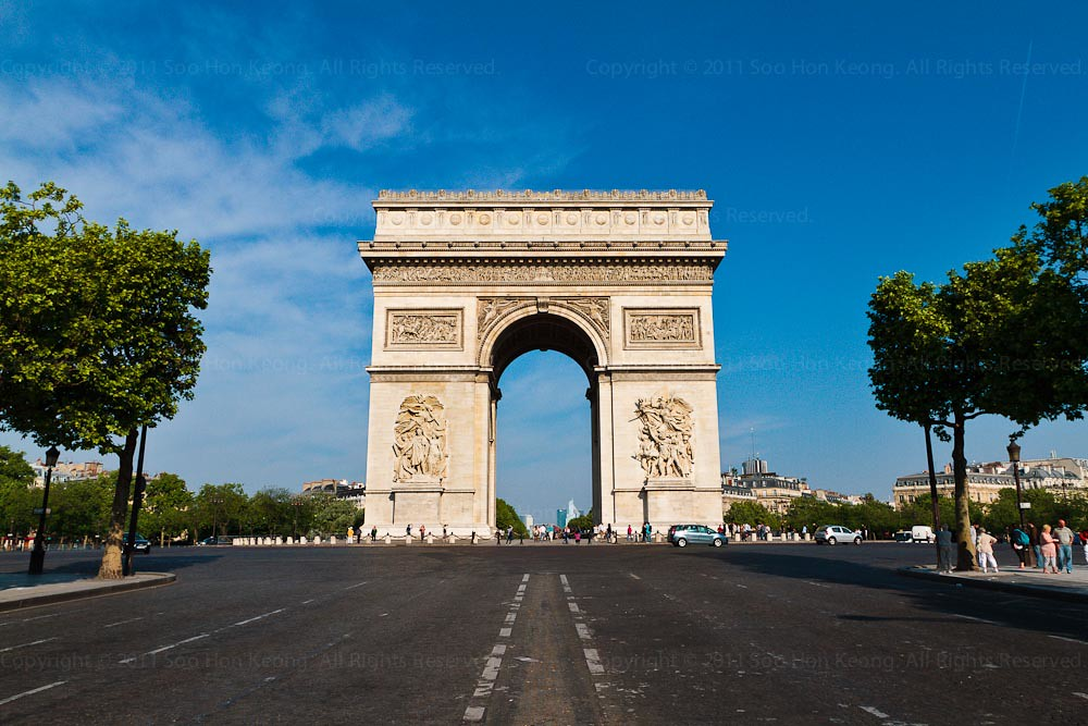 Arc de Triomphe @ Paris, France