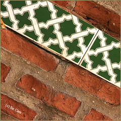 Green Star (Sir Cam) Tags: red geometric wall point star spain patterns muslim bricks andalucia espana moorish moors eight islamic marbella sircam anawesomeshot aplusphoto diamondclassphotographer theperfectphotographer