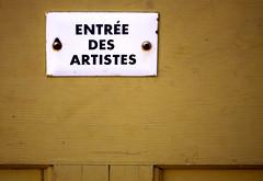 entrez! (JKönig) Tags: door wood sign yellow metal french screws friend rust paint photographer font garrison enamel francophile entréedesartistes garrisonartscenter forpatricktpower artistsentry