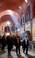 Tabriz Bazaar - Tabriz, Iran (friend_faraway *) Tags: travel men shopping carpet persian iran market tabriz azarbaijan peopple  tabrizbazaar