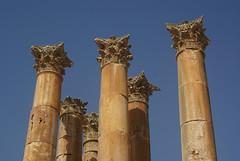 pillars (atsjebosma) Tags: ancient bluesky jordan pillars oud jerash jordanie zuilen travelerphotos