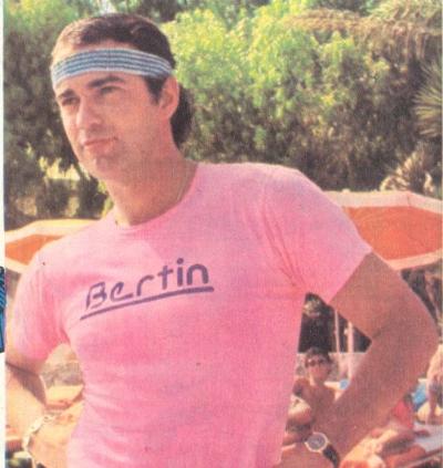 #036 Bertín, el chico de rosa
