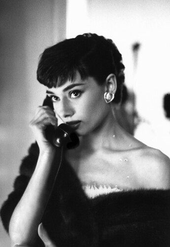 Audrey Hepburn on the telephone, Paramount Studios, 1953 / Bob Willoughby