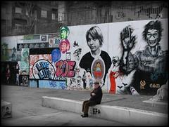 Tiempos extraos.... (SlapBcn) Tags: barcelona streetart cutout graffiti stencil photos explore sten diferente contrastes robado guinardo difusor colorphotoaward slapbcn