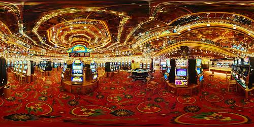 Casino Velden Panorama by geek7, on Flickr
