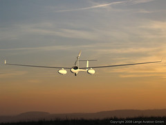 Lange Aviation's Antares DLR-H2 Fuel Cell Powe...