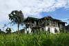 Rumah Usang (irwandy) Tags: cameron malaysia nd cameronhighlands teaplantation boh perak bohtea irwandy sungaipalas sungeipalas sgpalas ladangteh