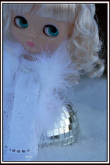 A Whiter Shade of Pale (rockymountainroz) Tags: snow limited edition takara cwc rbl darlingdiva fifthanniversarydoll thedivinemissd pollyonetsy