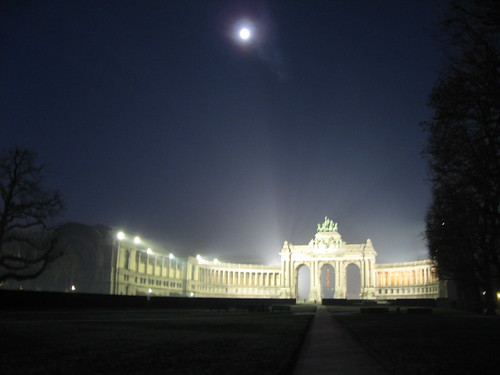 Cinquantenaire by night
