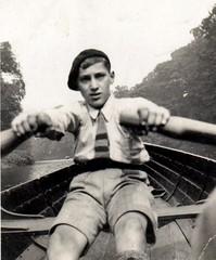 Dad (Mark Broadhead) Tags: boy england river boat tie rowing shorts