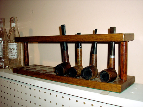 Antq IA pipe rack