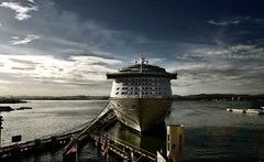 Crucero (Gaby Maldonado) Tags: morning cruise sea maana clouds p