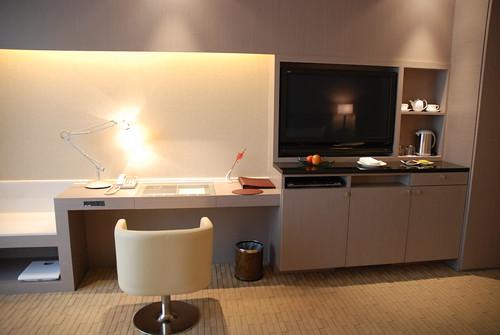 電視、辦公桌