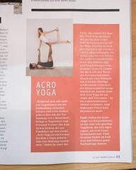 Schon die neue Women's Health in der Hand gehabt? Ich bin mit einem Acro Yoga Beitrag drinne! Danke an @lisadanneyoga für auf meinen Füßen stehen und @about_juli für die Zusammenarbeit. Nicht nur meine Heimatstadt und die Women's Health sind in Hamburg so