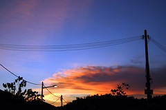 pardon_the_tiang_lampu__at_seri_kembangan (Caza Azmy) Tags: di senja langit kaki