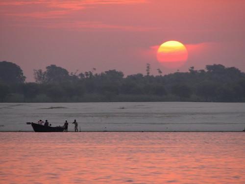 À l'aube sur le Gange