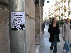 nadie está contigo (nadie en campaña) Tags: barcelona streetart sticker pegatina politica nadie postgraffiti