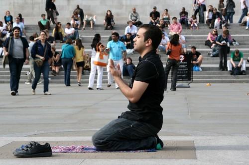 Praying in Trafalgar Square